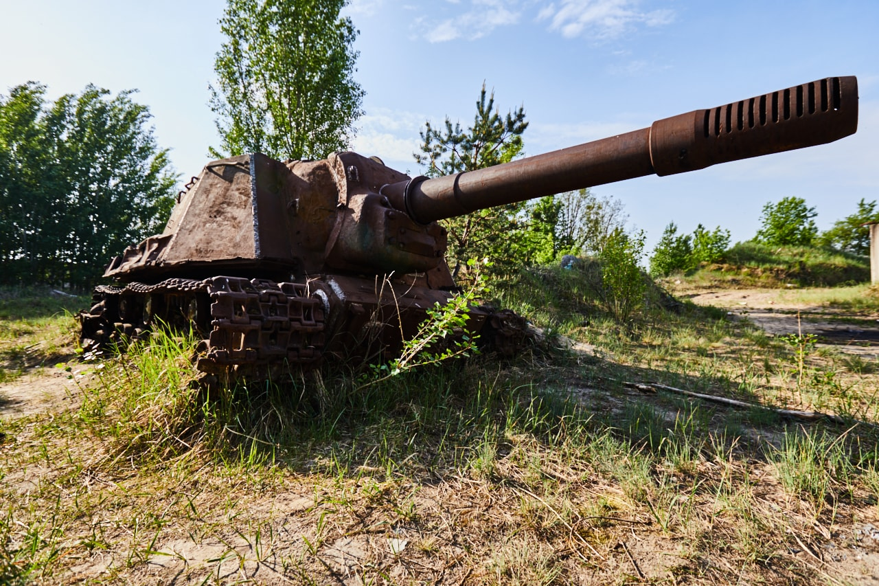 Abandoned tak T 72 machinery