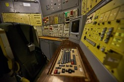 Control-center-army-soviet-missile-base-photo