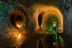 Historical  tunnels under Kreschtyk street CHERNOBYLwel.come Another kiev urbex underground tour