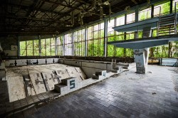 Swimming pool Lazurny pripyat abandoned photo